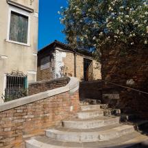 Steps to Calle San Cristoforo